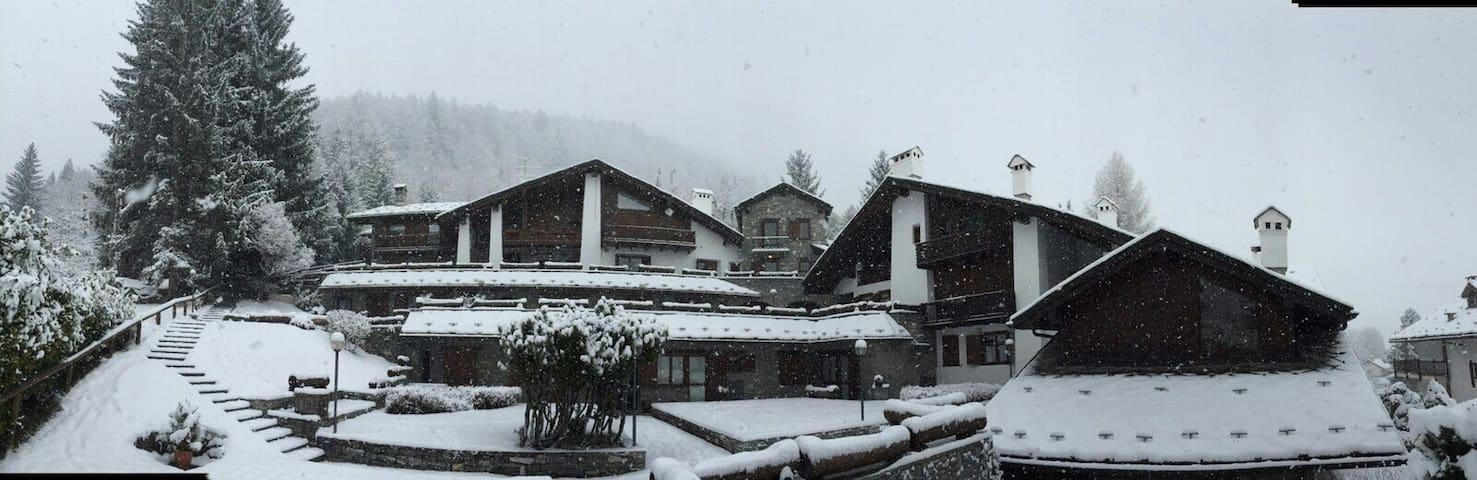 Veduta del Monte Bianco dal terrazzo