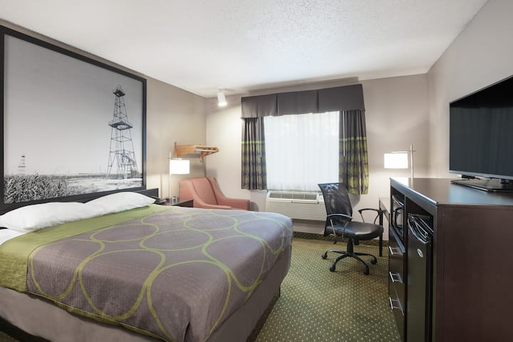 Super 8 by Wyndham DFW Airport West- King Bed