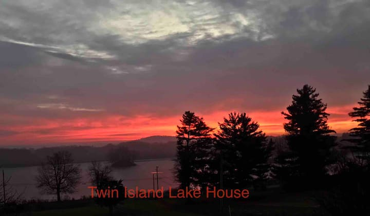 Twin Island Lake House near Rhinebeck NY