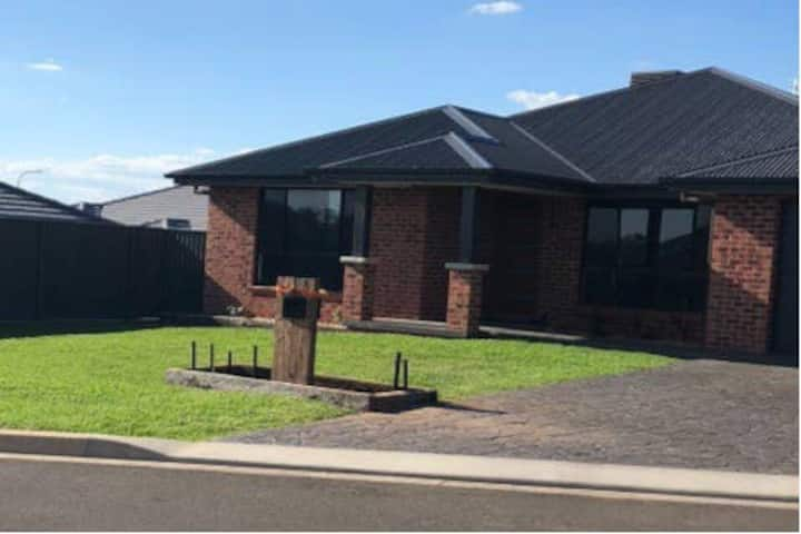 Entire Family home in North Tamworth