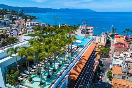 Pier 57 Modern Luxury 2BR, PV's Best Rooftop!