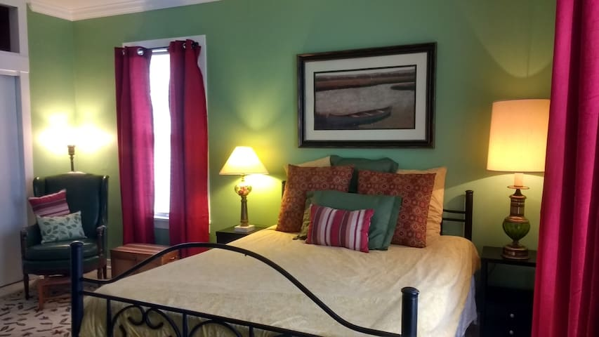 Large Master Bedroom with a queen bed.