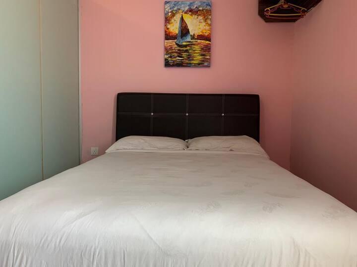 Kuantan | Deluxe Queen Room [2 Pax]