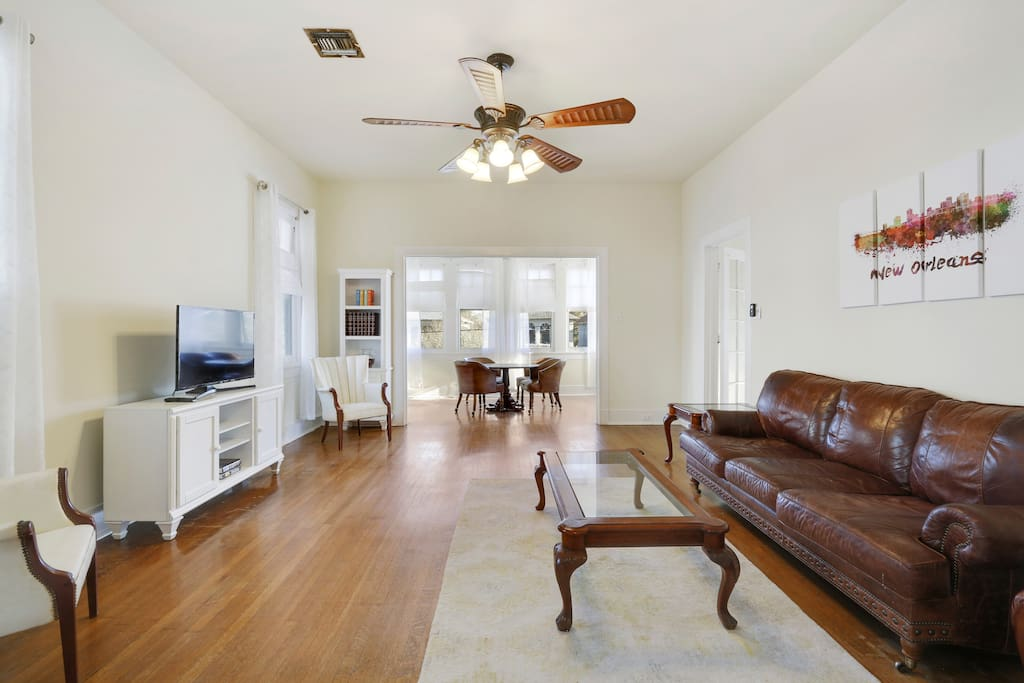 Uptown 3 Bedroom 10 Minutes From French Quarter Houses