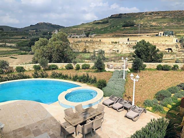 San Damiano- Farmhouse with pool in Gozo