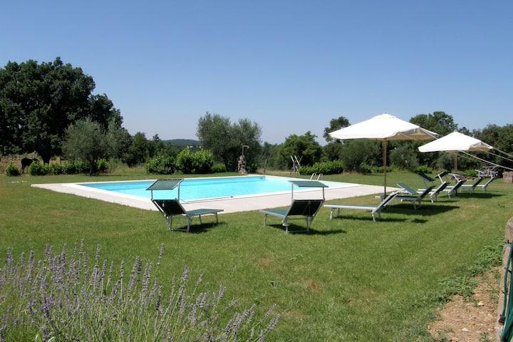 Casale tradizionale a Sorano con piscina