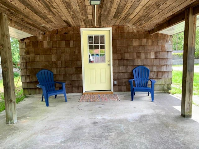 Cottage Getaway near Topsail Island