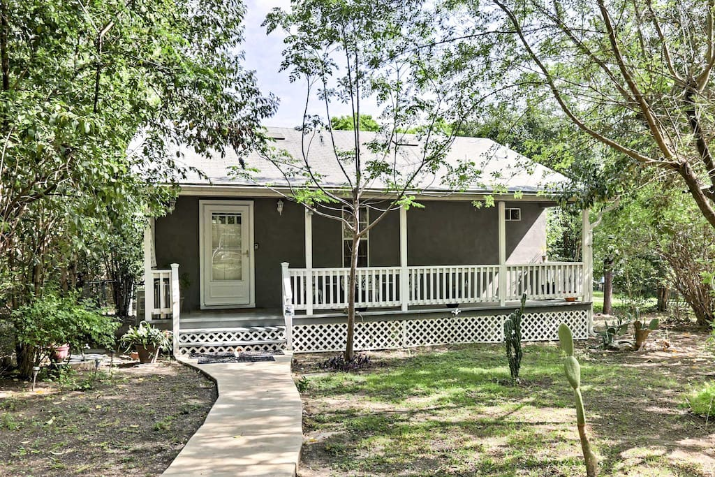 Plan your San Antonio escape to this 1-bedroom, 1-bath vacation rental cottage.
