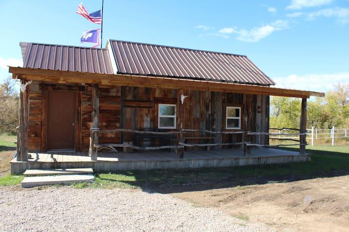 Kara Creek Ranch - Rustic 2 Bedroom Cabin