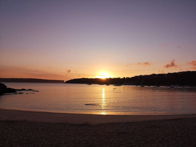 Double room meters from stunning Balmoral Beach