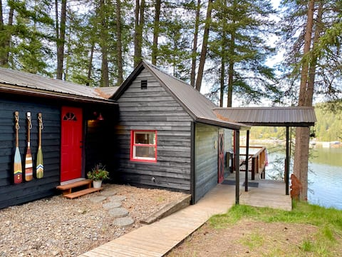 Dog Friendly, Lakefront Cabin on Lake Pend OReille
