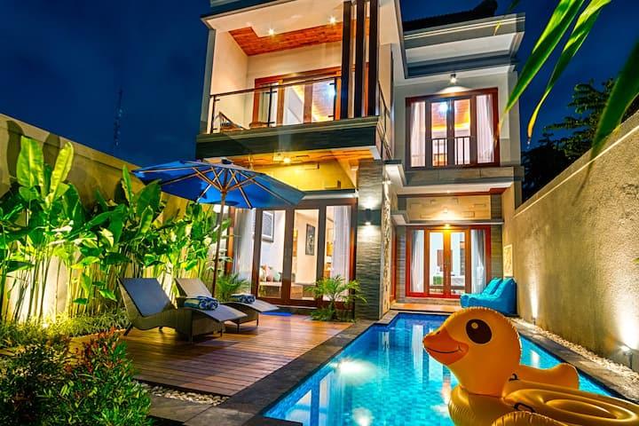 SEMINYAK!! 3 Bedroom Private Pool Villa