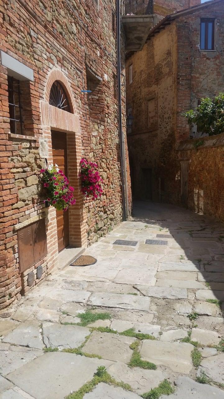 """Country flat """"Il Nido"""" in pieno centro storico"""