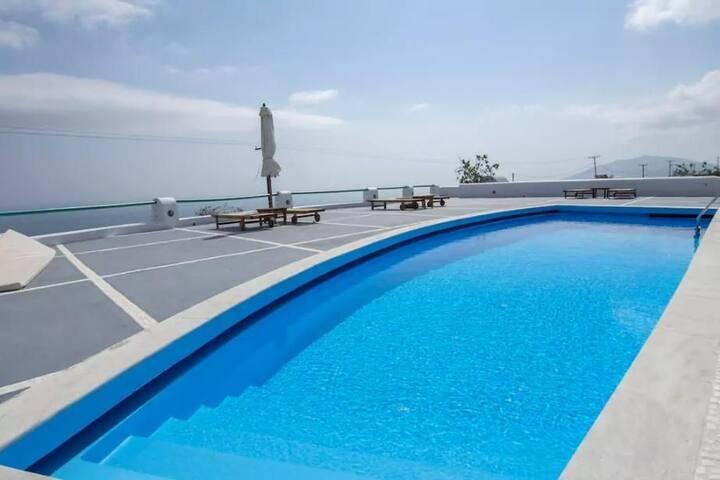 R391 Luxury 2 floor Villa with pool Breakfast Included