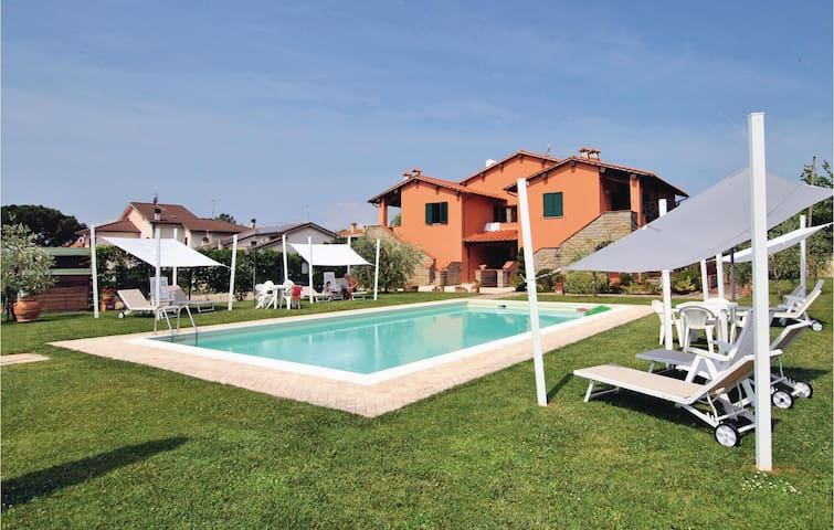 Holiday apartment with 2 bedrooms on 55 m² ITA250