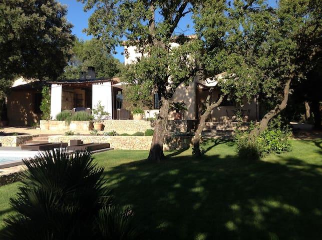Maison de charme proche d'Uzes - Saint-Victor-des-Oules - Casa