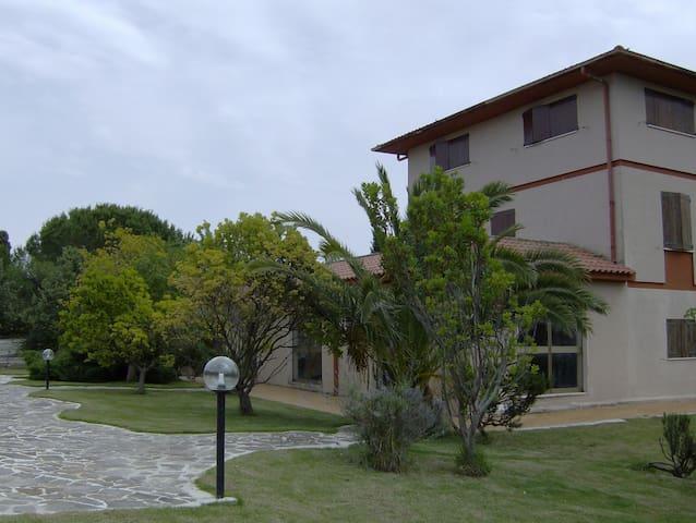 Appartamento in villa immersa nel verde - San Michele - Apartamento