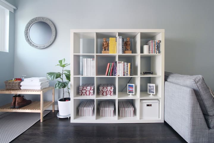 Various books & magazines for you to kill some time! (* The furniture setup might vary from time to time.)