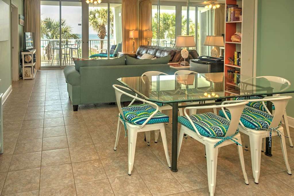 Beachy Gulf Front Condo With Perfect Open Floor Plan