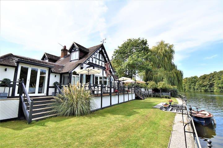 """""""King Edward House"""" Thames Riverside Royal Windsor"""