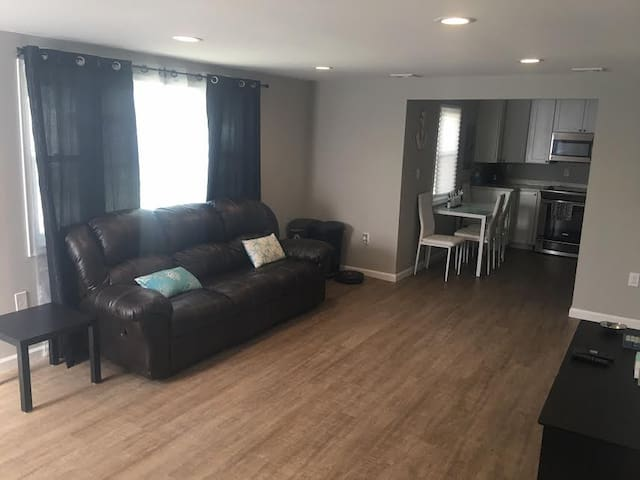 BEAUTIFUL BRIGANTINE BEACH 2BR/1BA APARTMENT - Brigantine - Apartament