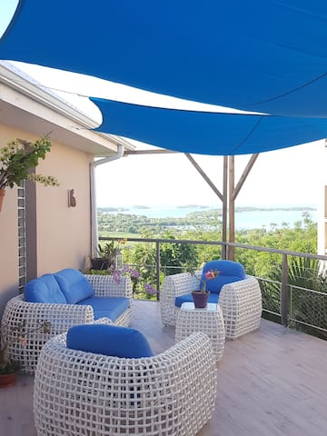 La villa Cattléya, vue sur les îlets du François