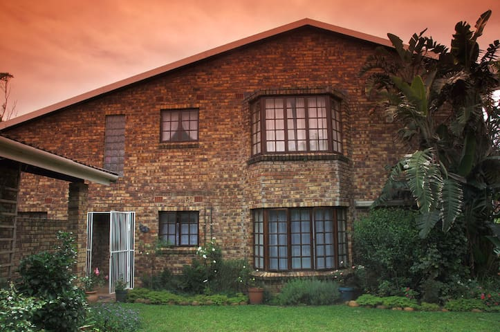 Fig Tee Manor Accommodation, your home from home.
