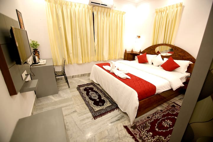 Deluxe Room of Spice Mount Heritage Resort
