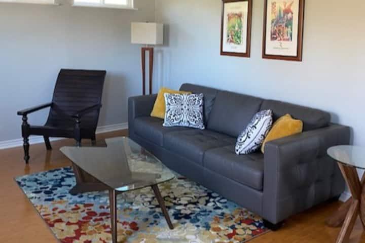 Cozy private apartment in Central Austin.