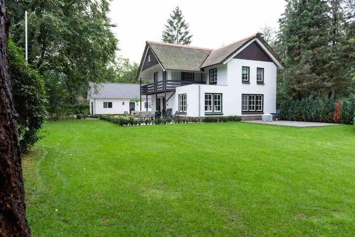 Luxe Villa & Lodge op de Veluwe voor 2+ gezinnen
