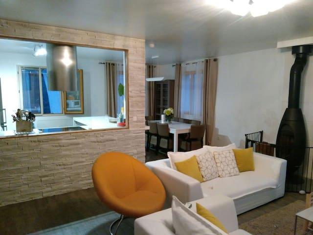 Deux chambres dans le calme total. - Saint-Martin-du-Tertre Bourgogne Franche-Comté, FR - Hus
