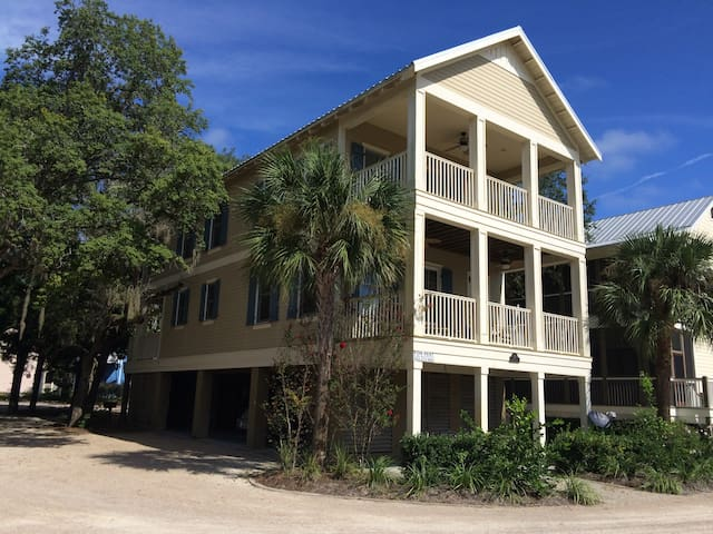 Fisher's Cove at Steinhatchee Landing Resort