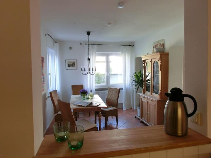 Ferienwohnung Arenz (Schweinfurt), Preiswerte Ferienwohnung (67 qm) in optimaler Lage