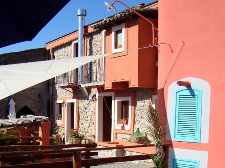 Malerisches sizilianisches Landhäuschen