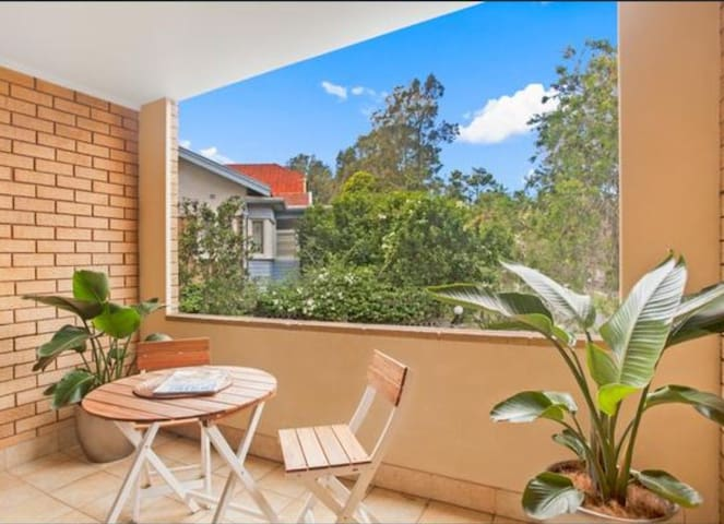 Conveniently located Northern beaches apartment