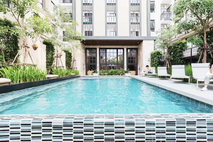 Comfy Apt in CBD Nearby PromPhong Skytrain