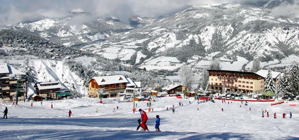 Studio Station de ski du Sauze - Enchastrayes - Apartamento