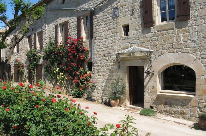 Domaine du Barsac - Location grand gîte Ardèche