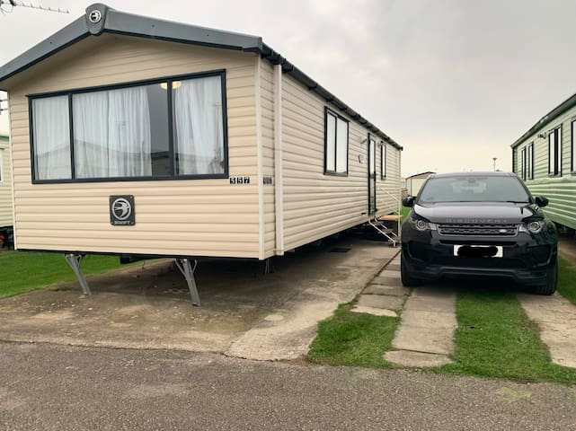 Family Static Caravan with clubhouse and swimming