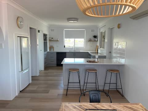 Unit 5, boutique style at Breakwaters, TUNCURRY