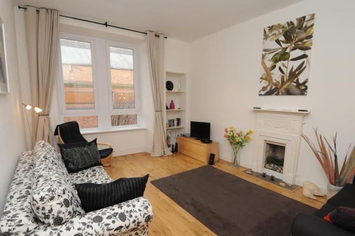 First floor one bedroom flat in heart of west end