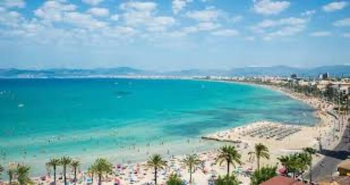 Cama Loft Playa de Palma Wi-Fi, Netflix + desayuno