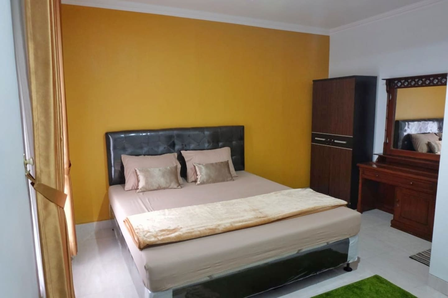 Room 201. The bed size is 180x200cm, fit for 2 adults or 2 adults+1 child/baby