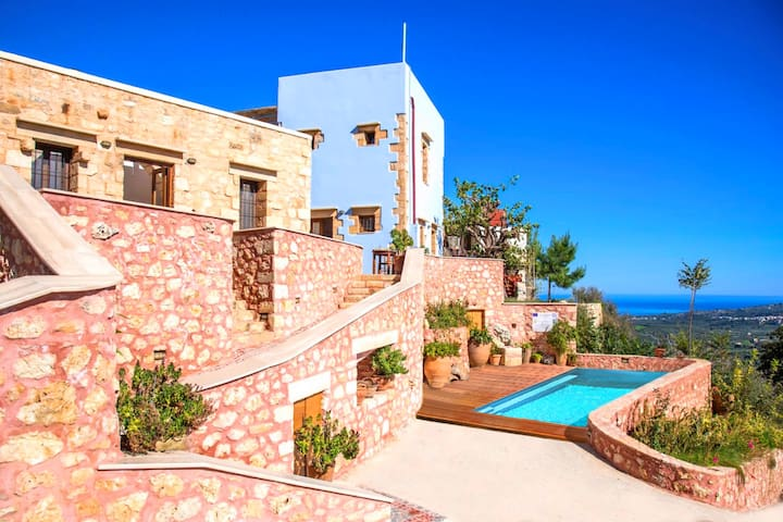 Veneciana Villa Heated Pool