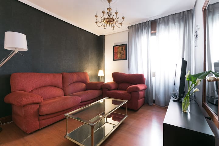 Central apartment in Bilbao near metro and bus - Bilbo - Casa particular