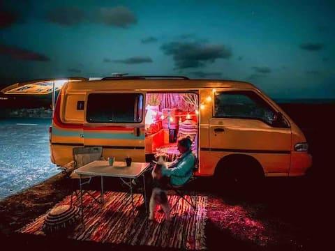 BANANEN-CAMPER, schlafen und fahren am Meer !