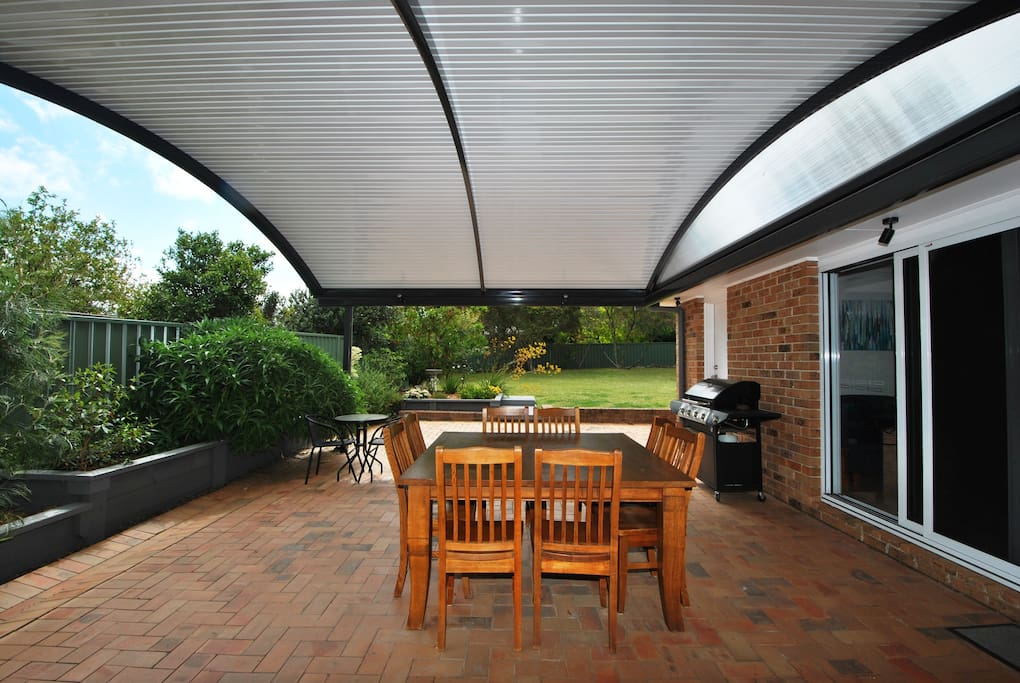 Large outdoor covered entertainment area