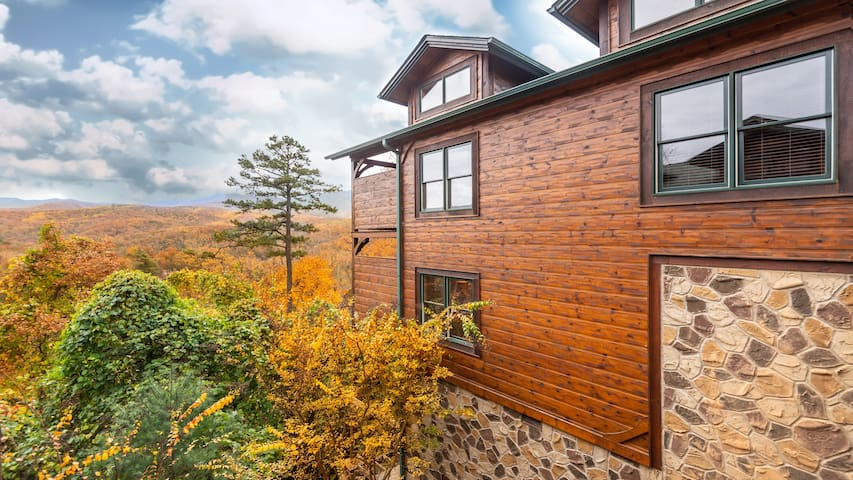 Paradise Vista, Incredible Views 2 story log cabin