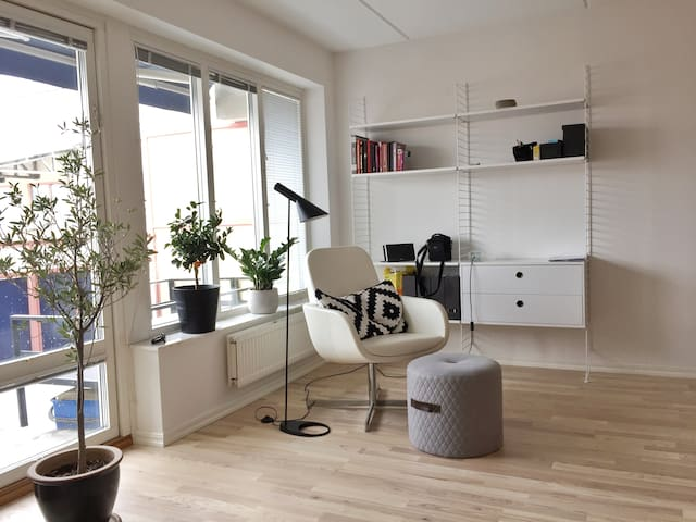 Stylish Cozy & Comfortable apt in Jonkoping Centre