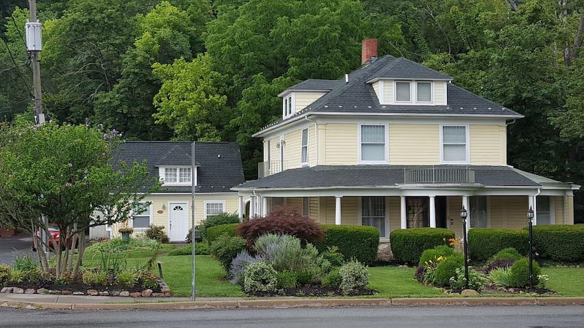 Brookside Manor